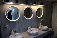 Zakwaterowanie-łazienka-na-kampingu
