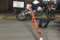 Zamocowany-motocykl